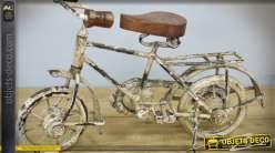 Vélo décoratif en métal coloris crème style rétro 28 cm