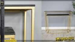 Série de 2 tables style console, en bois de manguier noir et métal doré 81cm
