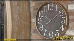 Horloge en métal de style rétro, fond ancien noir et encadrement cuivré, chiffres blancs, 48cm