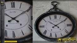 Horloge vintage ovale de style brocante