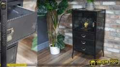 Meuble d'appoint sur pieds en métal et verre, 3 tiroirs avec façades effet tissu, patiné noir