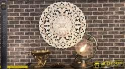 Grande décoration ronde en bois sculpté esprit mandala finition vieilli