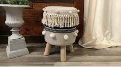 Repose pieds en bois et coton épais, style nordique avec finitions claires, franges et pompons, Ø30cm