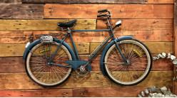 Grande décoration murale de vélo finition bleu vieilli, ambiance rétro, 99cm