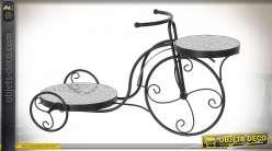 Porte plante en métal en forme de tricicle vintage, 2 plateaux avec mosaique effet carreaux de ciment, 59cm