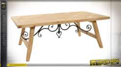 Table basse en bois de sapin finition claire, volutes en métal esprit vieux fer forgé, 120cm