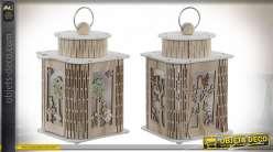 Série de 2 lanternes bois sculpté éclairage LED, esprit chambre d'enfant, 25cm