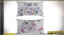 Série de deux coussins rectangulaires en tissus, impressions de motifs lapins et fleurs, esprit campagne, 50x30cm
