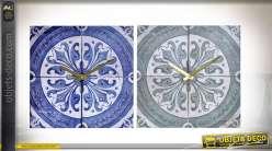 Série de deux horloges en bois avec impressions d'anciens carreaux de ciment, bleu et gris, 30cm