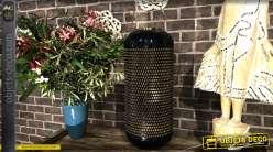Grande lanterne en aluminium finition laqué bleu marine et intérieur doré, bel anneau de suspension