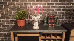 Chandelier tête de cerf à 4 branches en résine finition blanchie ambiance campagne chic, 29.5cm