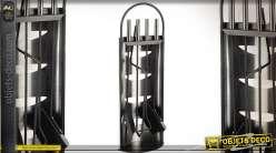 Serviteur de cheminée en métal style contemporain