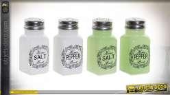 Série de deux ensembles salières et poivriers en finition blanche et verte, accessoires de cuisine ou de bar, en verre, 9cm