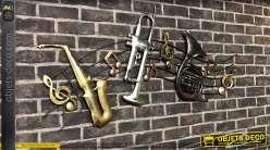 Grande portée de musique en métal, finitions brillantes avec instruments et notes, 120cm