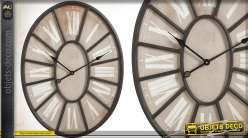 Horloge murale rétro en métal de forme ovale