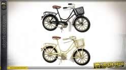 Série de deux décoration vintage en forme d'anciens vélos, finition noire et crème, thème cyclisme, 16cm