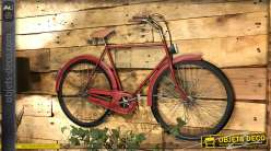 Ancienne bicyclette en métal murale, style vintage finition rouge cerise de 102cm de long