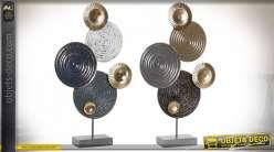 Série de deux décorations à poser en métal de style abstrait modernes, formes de cercles aux finitions industrielles, déclinaison de bleu, esprit trophée 58cm