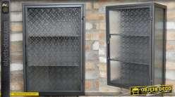 Unité de stockage murale de style industriel rétro, deux étagères intérieures et portes vitrée à motifs, 60cm