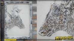 Décoration murale en bois style brocante, finition effet ancien, teintes claires, représentation d'un renne, 50cm