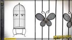 Fauteuil de jardin en métal finition noir, motifs papillons, esprit grande cage à oiseaux, 185cm de haut
