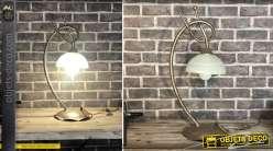 Lampe à poser en métal finition brun argenté et dôme en verre blanc fumé, style ferronnerie d'art, 58cm