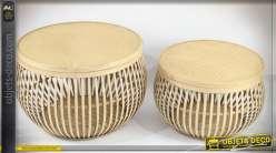 Série de deux tables d'appoints en bambou et rotin finition naturelle, 51cm
