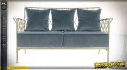 Canapé trois places bleu ardoise en métal finition dorée, 135cm