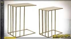 Série de deux tables auxilaires finition dorée style moderne, 57cm