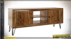 Meuble TV en acacia finition brun clair, portes aux facades de bois ondulés esprit rétro, 145cm