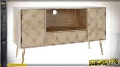 Meuble TV épuré en pin et paulownia finition brun clair, portes en damiers de bois style moderne, 118cm