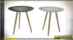Série de deux tables d'appoints sur trépieds style scandinave, plateaux creux gris et blanc, 50cm