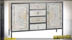 Buffet en bois de sapin sculpté de motifs floraux, patine multicolore effet vieilli style shabby chic, 120cm