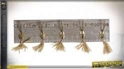 Porte-manteaux mural en bois gravé style boho à cinq crochets, finition brun clair et doré, 50cm