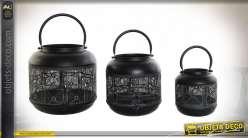 Série de trois lanternes en métal noir, motifs géométriques esprit ethnique, 25cm