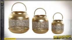 Série de trois lanternes circulaires en métal finition dorée style boho chic, 25cm