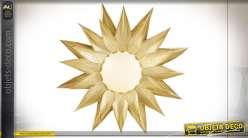 Applique murale en forme de tournesol d'aluminium finition dorée esprit campagne chic, 48cm
