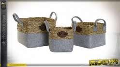 Série de trois corbeilles carrées en feutre gris et fibre végétale finition naturelle, 38cm