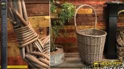 Chariot à bûches en osier finition grise, grande anse de transport avec fond plein en bois, style maison de campagne, 101cm