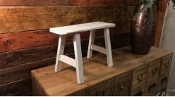 Mini tabouret décoratif en bois finition usée, modèle blanc ancien de style rustique, 40cm