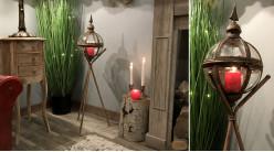 Lanterne originale sur trépied en métal et verre, forme sphérique finition brun ancien et reflets dorés, 90cm