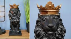 Lion majestueux couronné, monté sur socle, finition noir ébene et doré ancien, ambiance impériale, 36cm