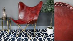 Série de 2 fauteuils papillon en cuir véritable teinté brique cerise et métal finition laiton effet brossé, ambiance chic authentique, 94cm