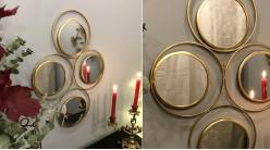 Miroir mural de style moderne, en métal finition dorée effet brossé, ambiance cercles et géométrie, 64cm