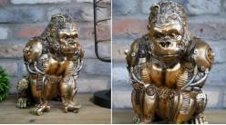 Gorille en résine version Steampunk, effet métallique finition laiton doré avec roues et engrenages, 28cm