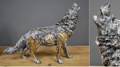 Statuette d'un loup en version Steampunk, en résine finition effet métal avec touches dorées et finition laiton, 30 cm d'envergure