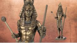 Statuette d'un pharaon d'Egypte ancienne, en résine finition bronze vieilli, collection Divinités, 23cm