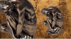 Replié et concentré, représentation d'un homme nu en résine finition bronze et reflets vieux doré, collection Nudités, 11cm