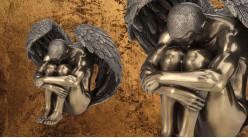 Ailé et oublié, représentation d'un ange masculin assis au sol, en résine finition bronze ancien, collection Nudités, 14cm
