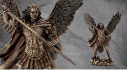 Archange Saint-Michel, représentation de l'ange du Premier Rayon ailes déployées, en résine finition bronze vieilli, collection Terre des Dieux, 29cm